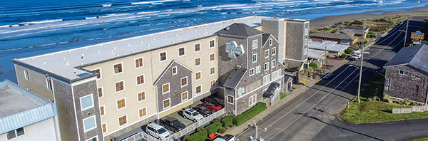 exterior of Elizabeth Oceanfront Suites – Ascend Collection